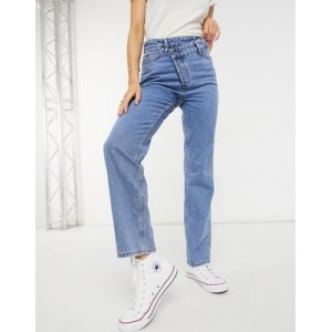 New Look asymmetric button detail straight leg jeans in mid blue for Young Women KZUO938