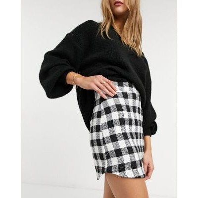 DESIGN boucle mini skirt with curved hem in mono check print for Women TFUN482