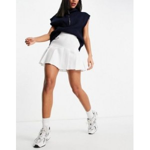 DESIGN pleated mini tennis skirt in ivory Pretty Little Thing for Women Cost IHSW631