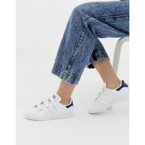 adidas Originals Stan Smith CF sneakers in white and navy FCHJ705