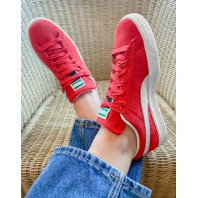 Puma classic suede sneakers in red In Narrow Sizes for Women's Designer PTQC331