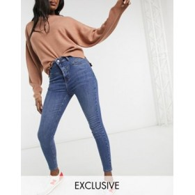 Reclaimed Vintage inspired the '90 seam detail skinny jean in mid blue wash for Young Women Popular AMID618